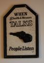 Smith & Wesson - Kliknutím zobrazíte velký obrázek.