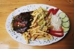 Biftek - Vaříme a pečeme ze všech druhů mas.